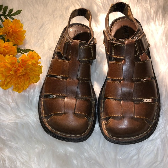 Born Close Toe Sandals | Poshmark